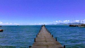 桟橋と海と空