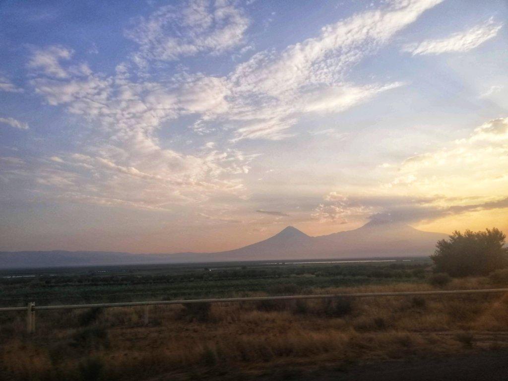 アララト山の夕日
