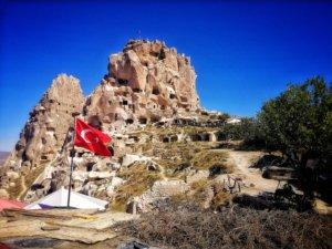 城塞とトルコ国旗