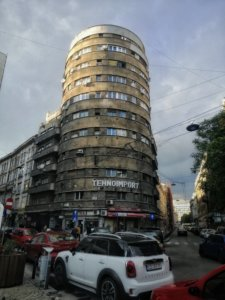 旧ソ連感のあるビル