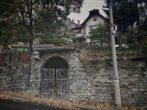 幽霊の出そうな廃屋