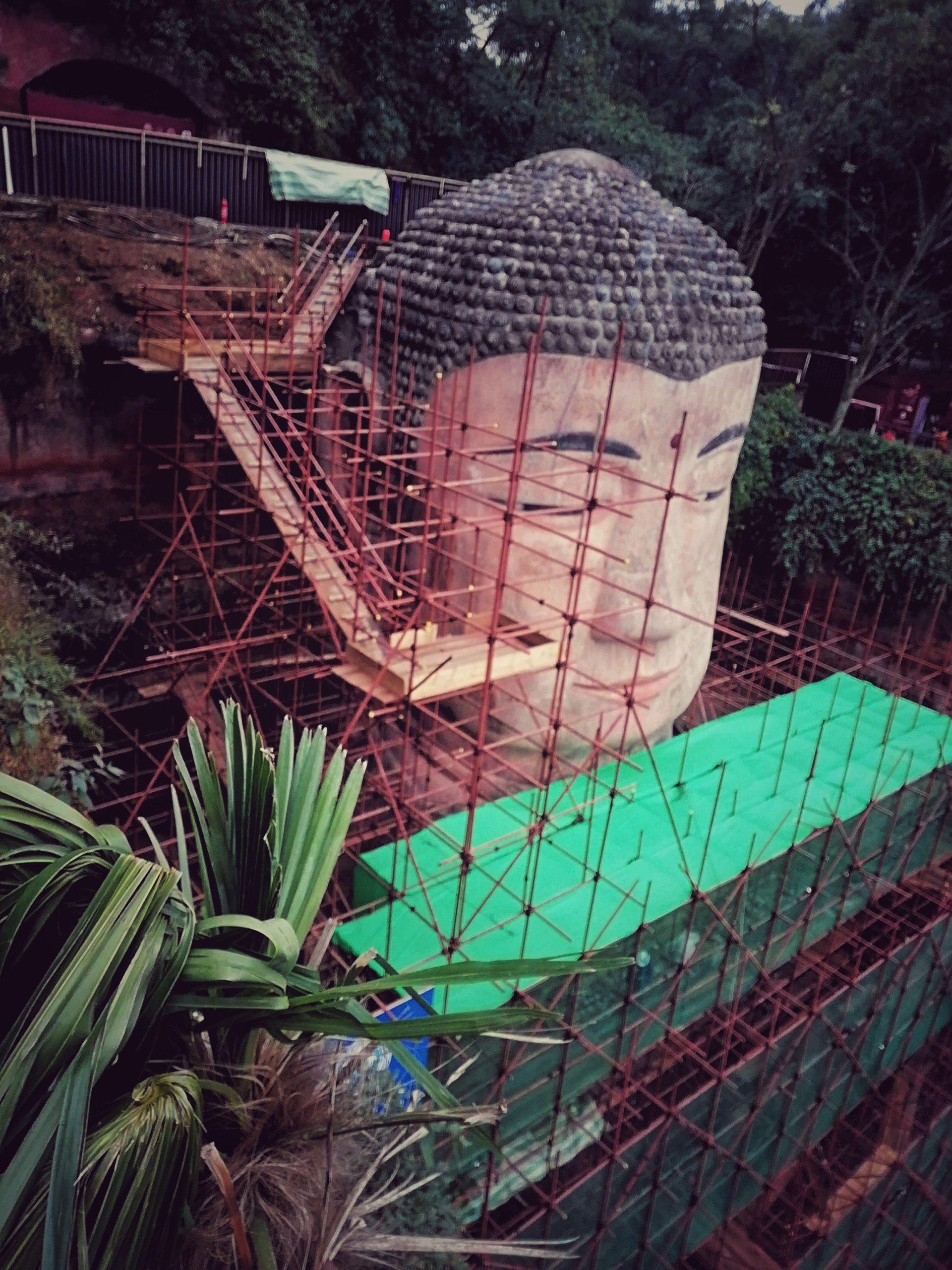 改宗中の楽山大仏In中国,Leshan Great Buddha in China under conversion,