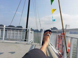 ハロン湾のクルーズ船の様子