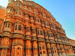 """ピンク色が映えるジャイプールの風の宮殿 , Pink color shines """"Hawa Mahal"""" in Jaipur"""