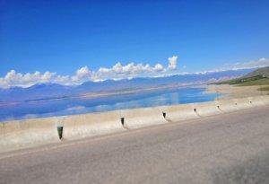 高い山と高標高の湖