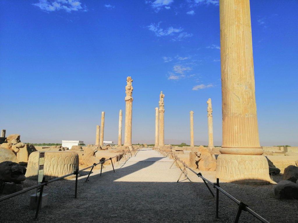 ペルセポリスの柱の間