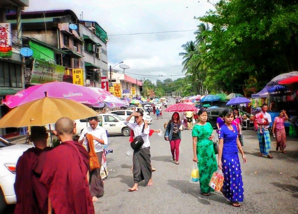 ヤンゴンの昼下がり