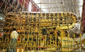 修復途中のヤンゴンの涅槃像