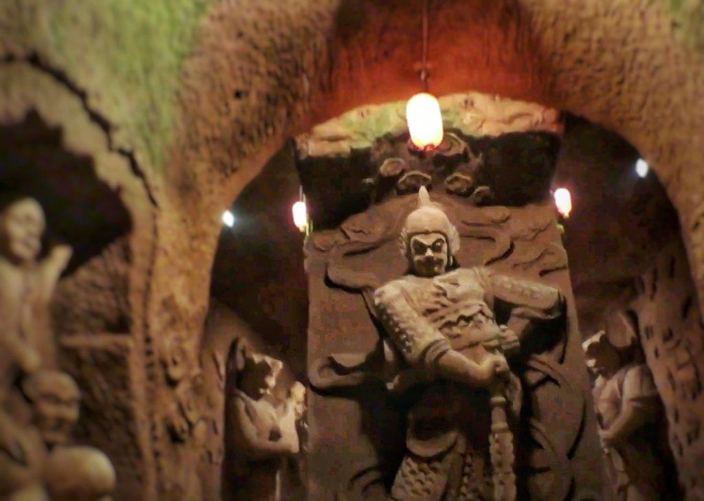 楽山の彫刻