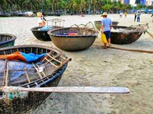 ベトナムの船