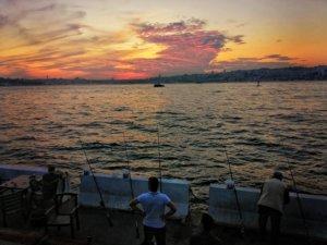 イスタンブールの釣り人