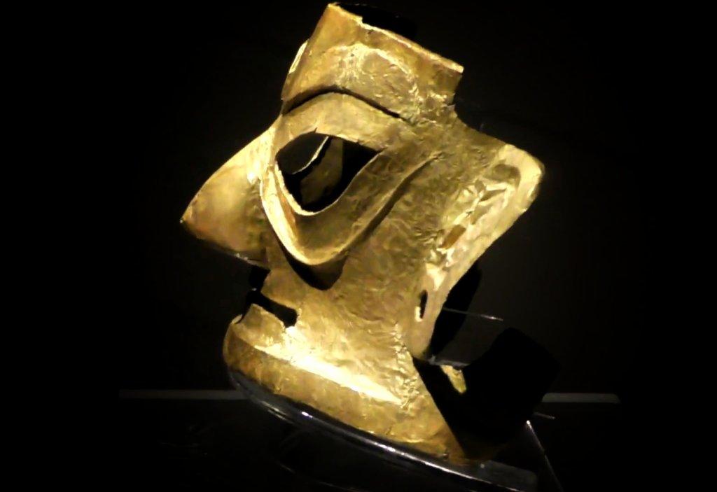 中国の金マスク