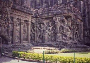 インドの石像郡