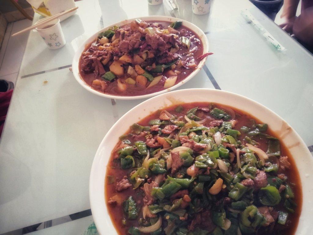 トルファンのウイグル料理:大皿