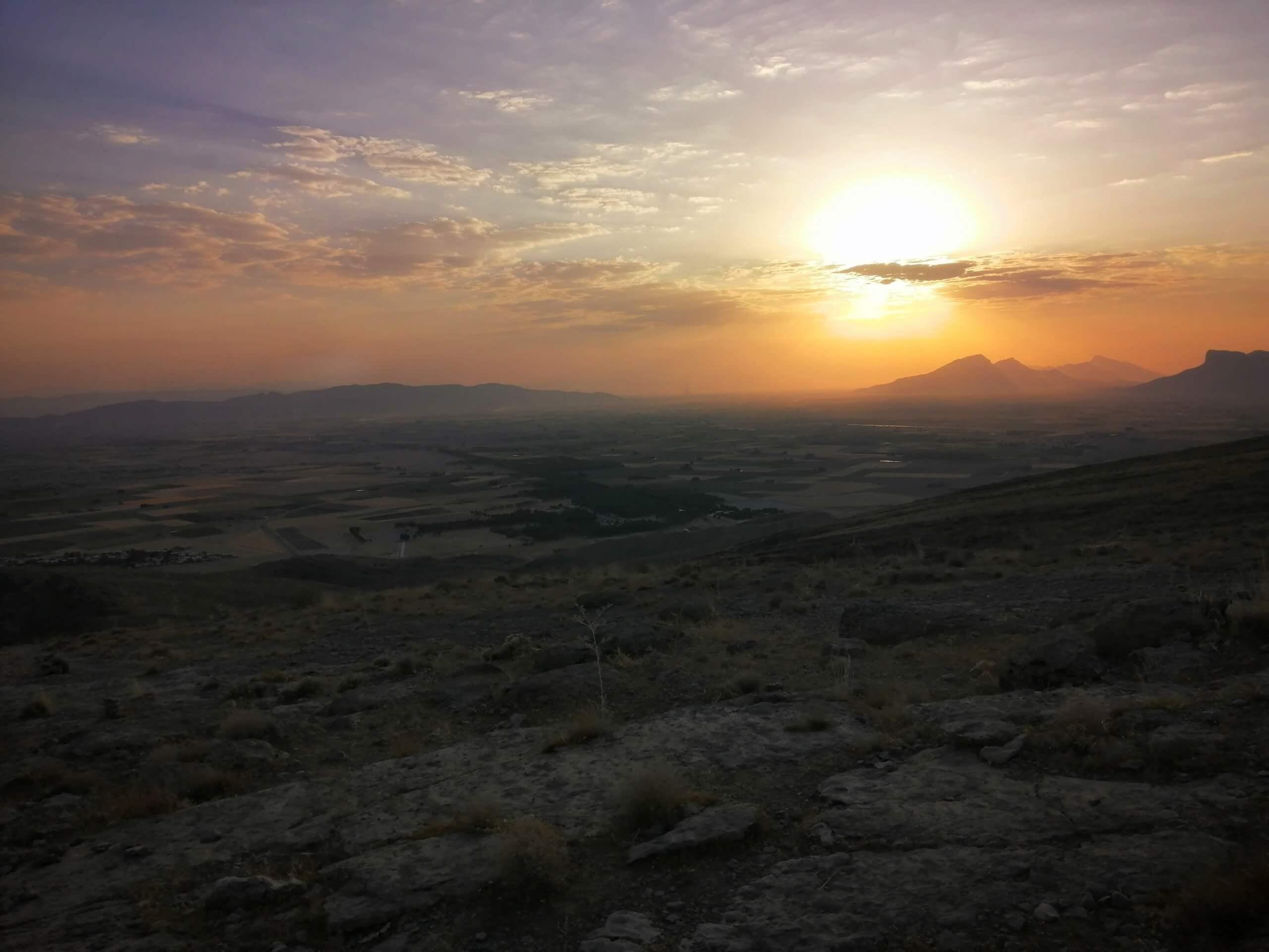 ペルセポリスの丘から見た荒野