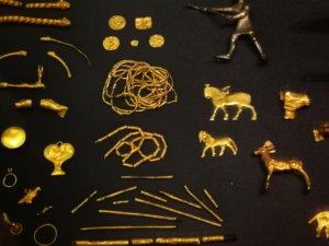 ペルシアの金細工