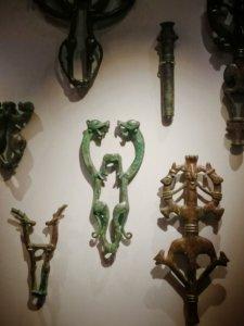 ロレスターン地方の装飾品