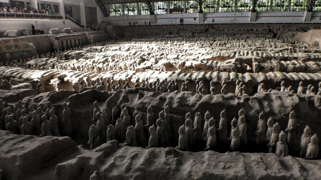 兵馬俑から発掘された兵士の数々