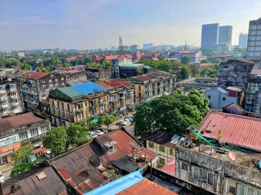 ヤンゴンの町並み