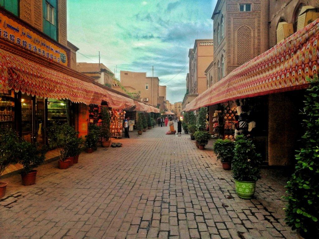 カシュガルの夕暮れストリート