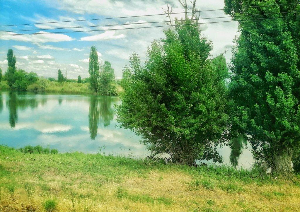 ウズベキスタンの溜池