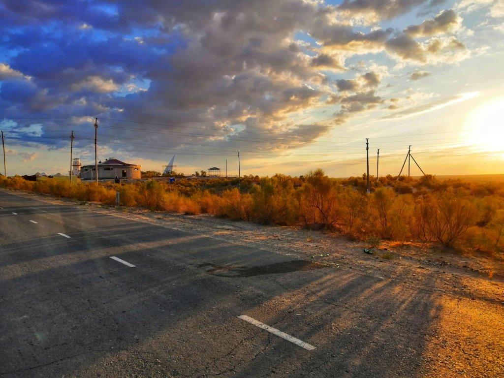 モイナクの朝日と雲