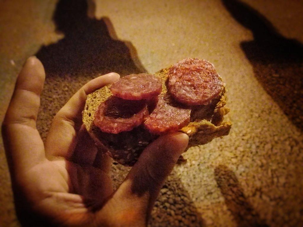 アクタウ:埠頭の夜食