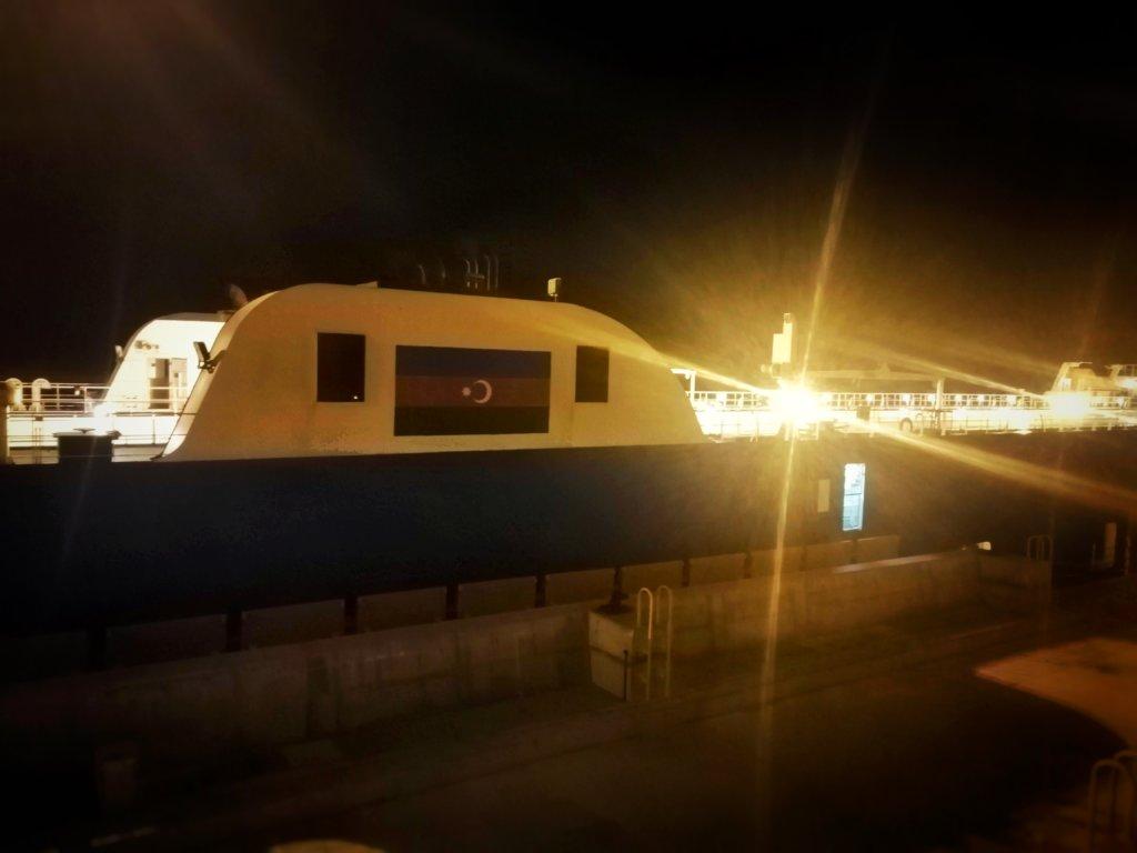 カスピ海の船:アゼルバイジャン国籍の船舶