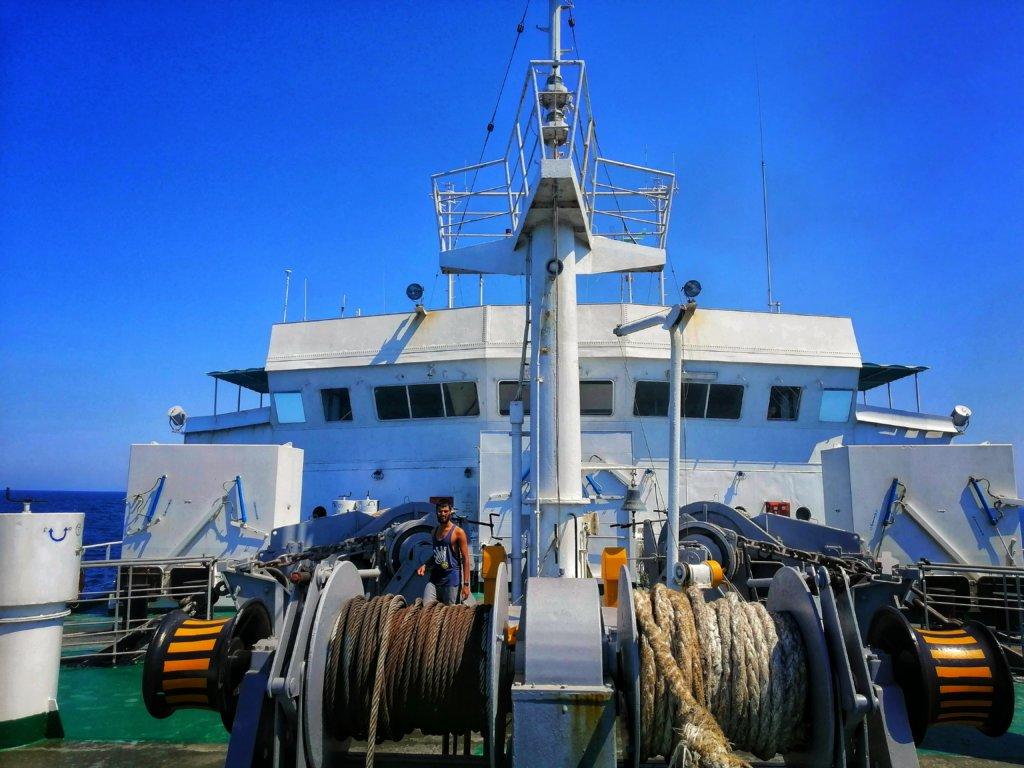 カスピ海の船:リールに巻かれた綱