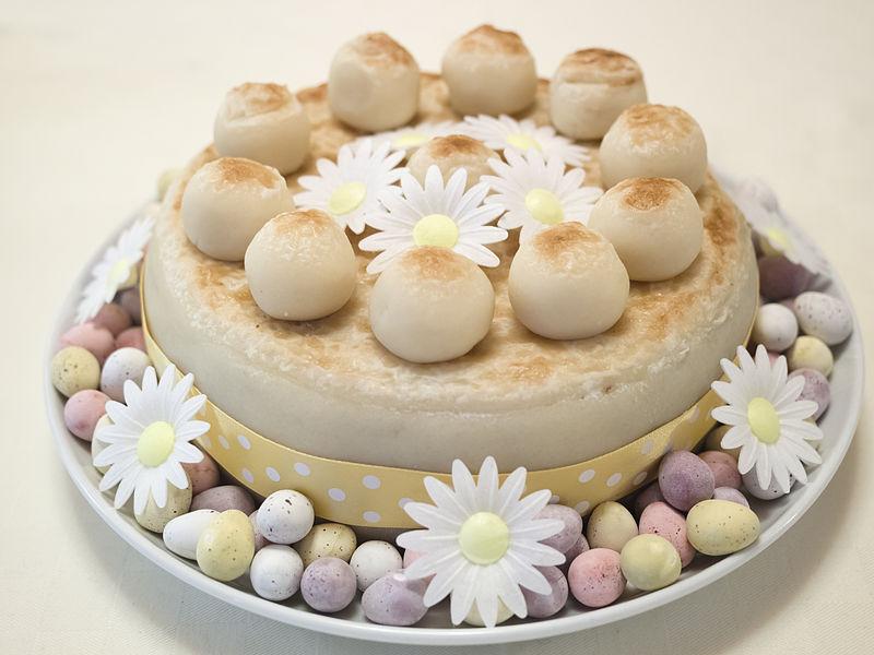 画像:シムネルケーキ
