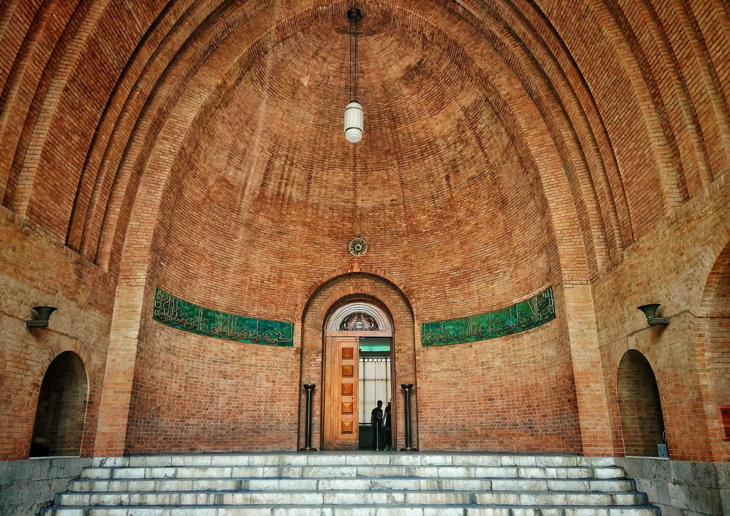 テヘラン:博物館の入口