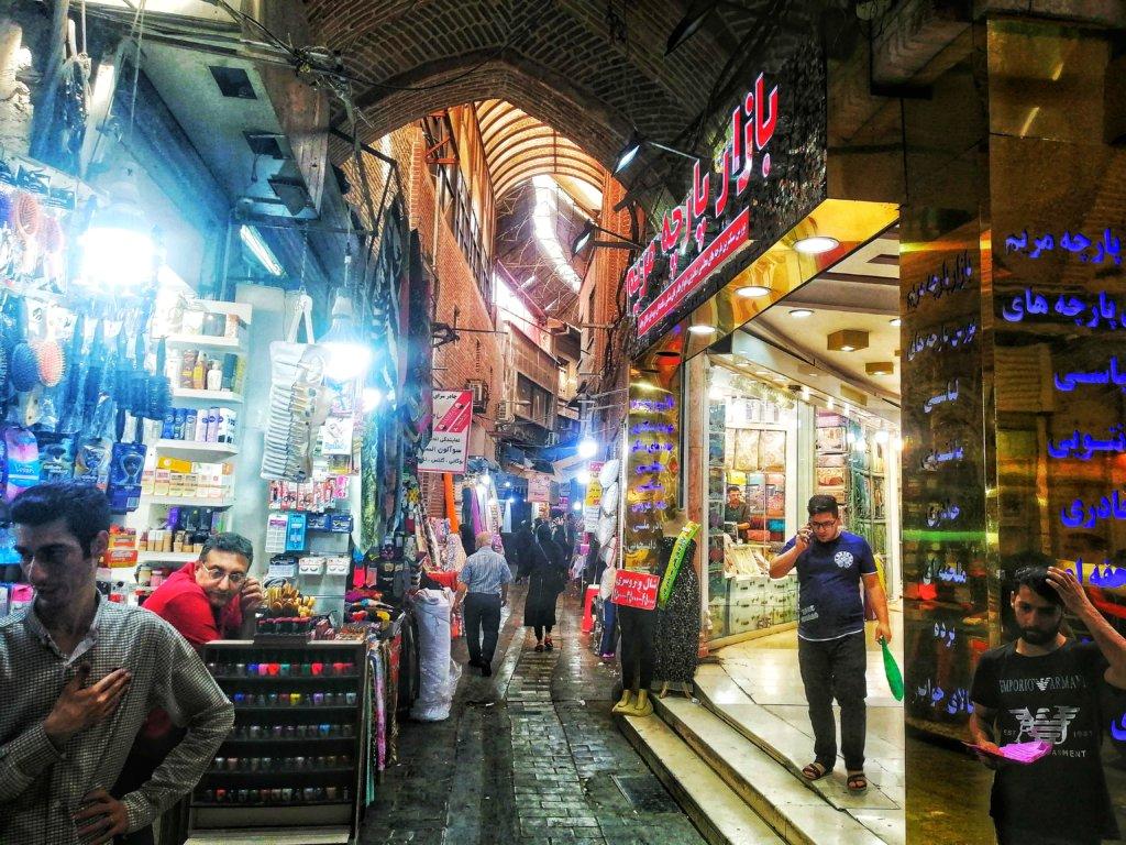 テヘラン:バザールの裏路地