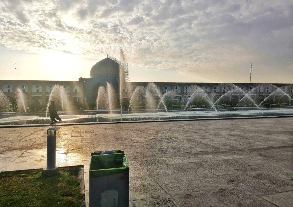 イスファハン:朝の噴水