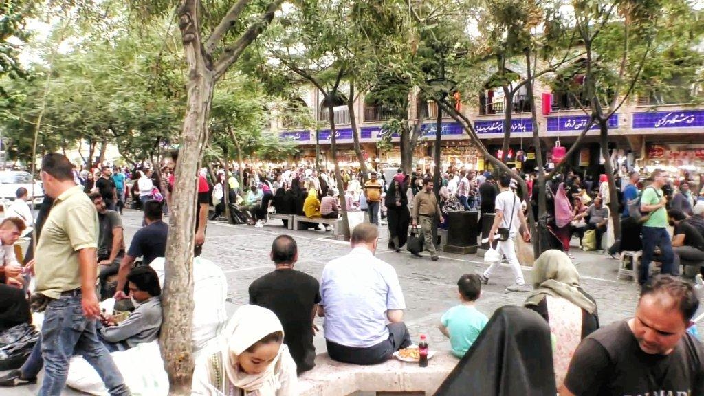 テヘラン:街の喧騒