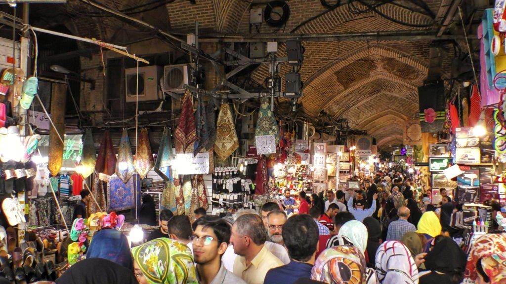 テヘラン:バザールの人混み