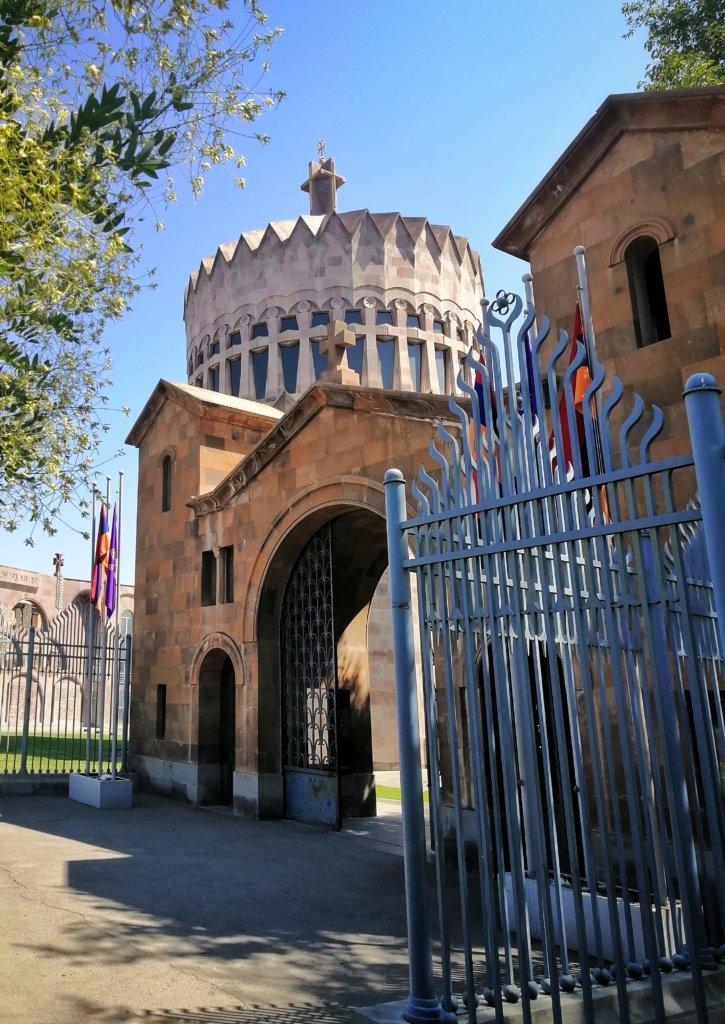 エチミアジン大聖堂の入り口