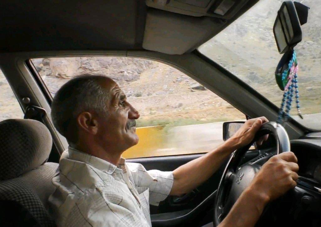 イラン:タクシーのおっさん