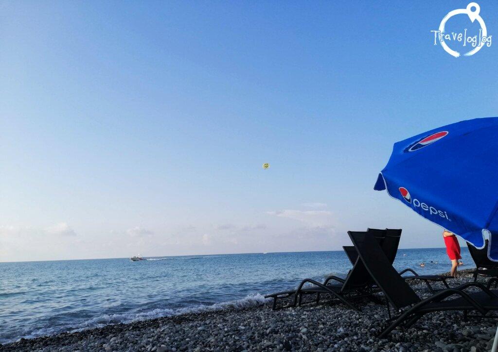 バトゥミ:海の向こうのパラセイル