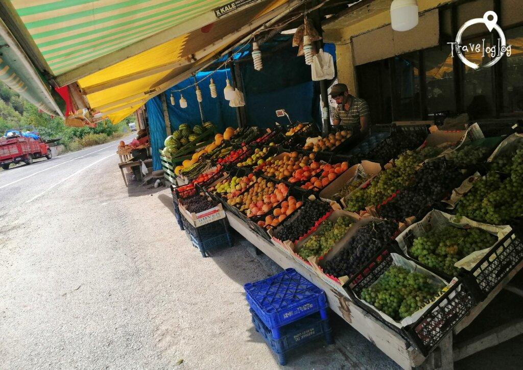トルコ:東部の道端市場